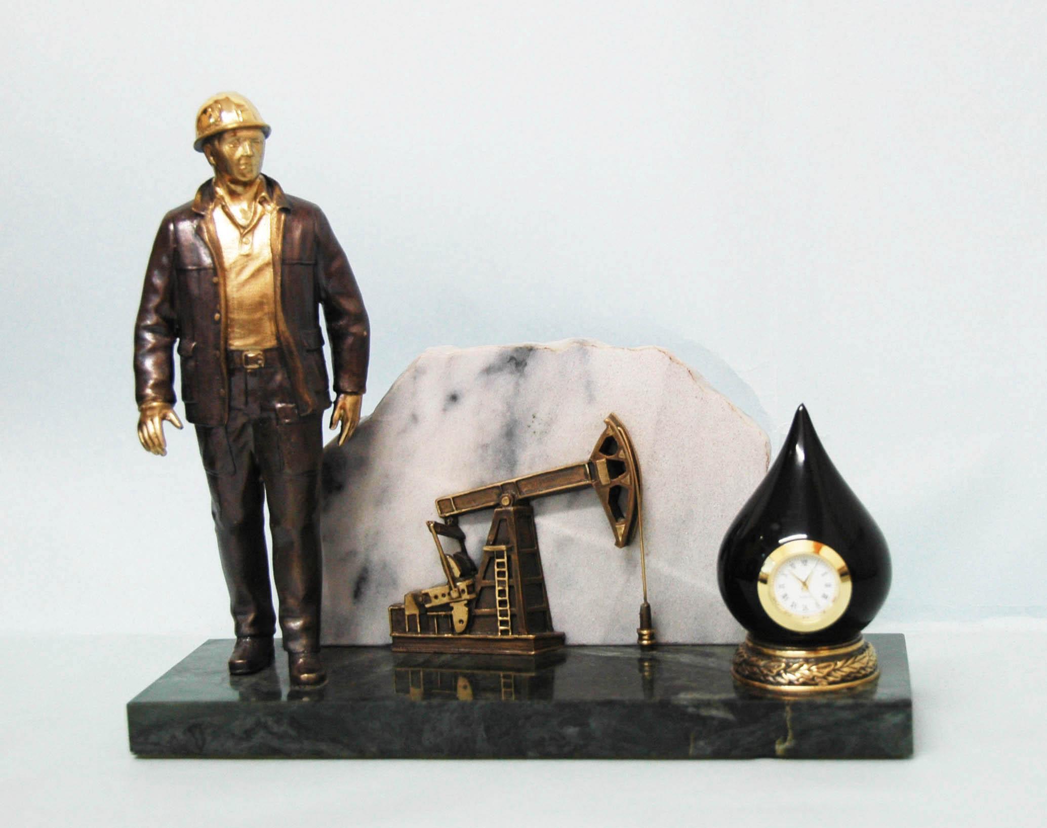 Профессиональные подарки для нефтяников