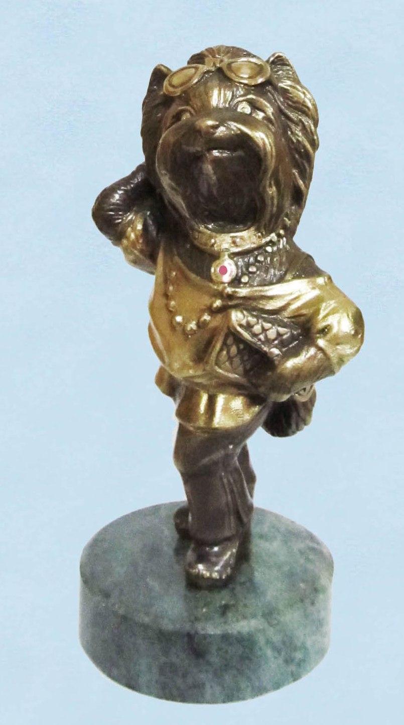 Бронзовая статуэтка Собачка-Модница